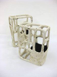 出口絵衣子「line work : 花器(白)」H23.5×17.5×10.5cm