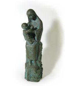 シルビア・ミニオ=パルウエルロ・保田「聖母子像」 2006年 ブロンズ 10×10×H37cm