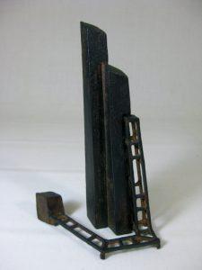 保田春彦「季節の残像No.8」2006年 ブロンズ 10,6×8,0×H17,7cm